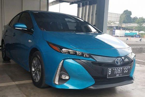 Meluncur Tahun Depan, Toyota Prius PHEV Sudah Bisa Dipesan?